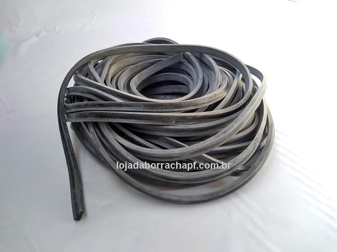 N28 Borracha esponjosa 9x15x7mm
