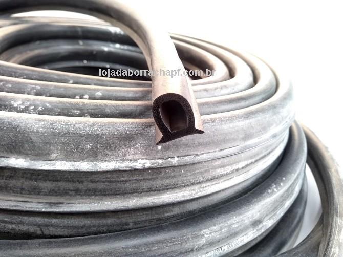 N61 Borracha esponjosa vedação capota 20,5x15mm