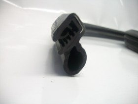 Borr. porta (s/aba acabamento) S10 Blazer .../00 Ranger 94/09 Explorer 94/09 Hilux SW4 97/03 (s/aba)