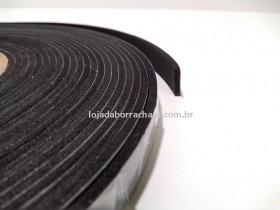 Fita EVA 14x3mm c/adesivo (rolo c/ 10m)