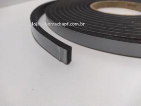Fita EVA 11x6mm c/adesivo (rolo c/ 5m)