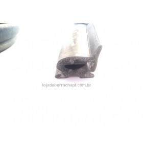 N113 Borracha esponjosa porta baú 34,5x32,5mm c/aba